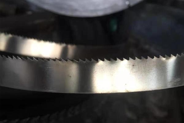 合金带锯条的焊接方法